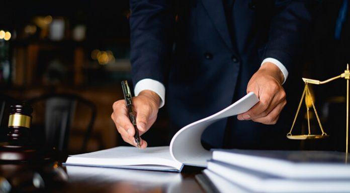 עורך דין לענייני חוזים